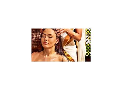 Massage indien de la tête Ayurvédique « SHIRO ABHYUANGA »